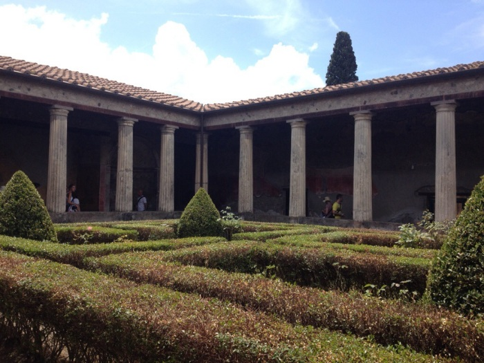 Day 3 – PompeiiScavi